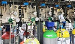 一家英国化学公司的经由世伟洛克气体分配解决方案优化的气体管路