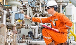 Inspecting small bore fluid systems on an oil platform